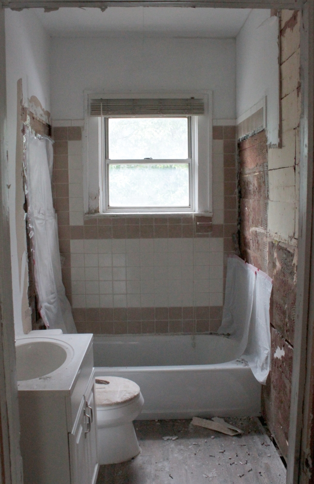 Bathroom_BeforeRemoval
