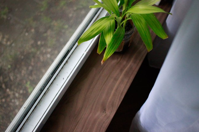 ManamiDesign_wood-windowsills